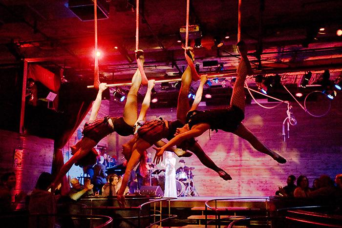 Suspended Cirque
